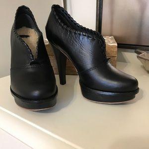 UGG Shoes - UGG Jamison Booties Platform High Heel Size 6 EUC